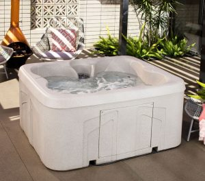 Lifesmart Rock-Solid Simplicity Plug-and-Play Hot-Tub